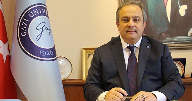 """Sağlık Bakanlığı Toplum Bilimleri Kurulu Üyesi Prof. Dr. Mustafa Necmi İlhan, """"Türkiye'de zaten virüsün mutasyon geçirip geçirmediği, Wuhan'daki virüs ile her iki virüsün aynı olup olmadığı konusunda Sağlık Bakanlığımızın bir çalışması halihazırda devam ediyor"""" dedi."""