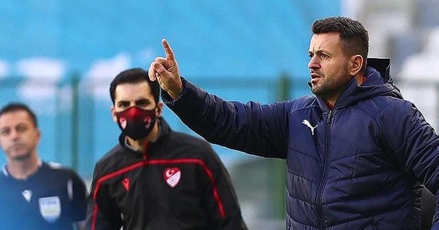 Büyükşehir Belediye Erzurumspor, büyük umutlarla ikinci kez çıktığı Süper Lig'de geride kalan 13 haftada alınan kötü sonuçlar nedeniyle bu sezonki ikinci teknik direktörüyle de yollarını ayırdı.