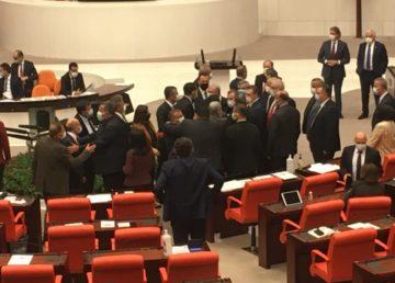 TBMM'de bütçe görüşmeleri sırasında milletvekilleri arasında 'faşist' tartışması yaşandı.
