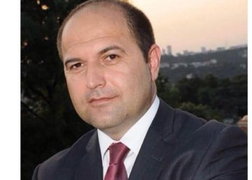 """SGK İstanbul İl Müdürü Murat Göktaş borç yapılandırmaya ilişkin çağrı yaptı. Göktaş, """"7256 yapılandırmaya son başvuru tarihi 31 Aralık 2020'dir. Buna göre işveren ve sigortalılarımız gelin başvurun fırsatları kaçırmayın. Yapılandırma büyük fırsat, yapılandırın kazançlı çıkın"""" dedi."""